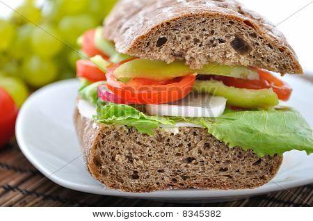 Diet Brown Baguette With Vegetable