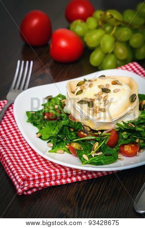 Arugula Salad With Baked Goat's Cheese