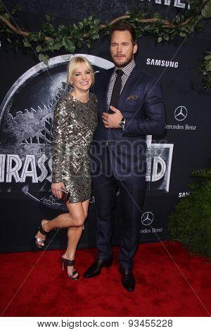LOS ANGELES - JUN 9:  Anna Faris, Chris Pratt at the