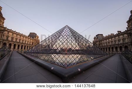 france paris louvre in background sky clear