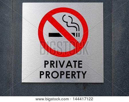 No smoking sign & symbol on the wall