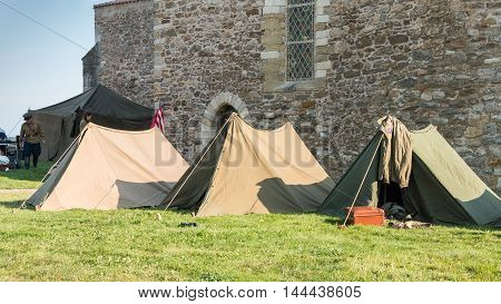 Us Tent Soldiers Settled In The City