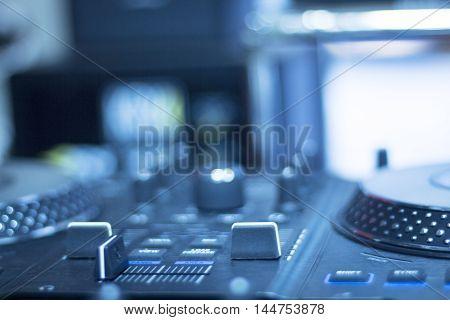 Ibiza Dj Turntables Mixing