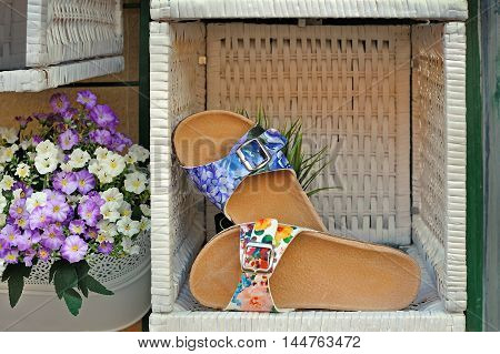 Women's sandals cortical outsole with floral print in woven box with flowers