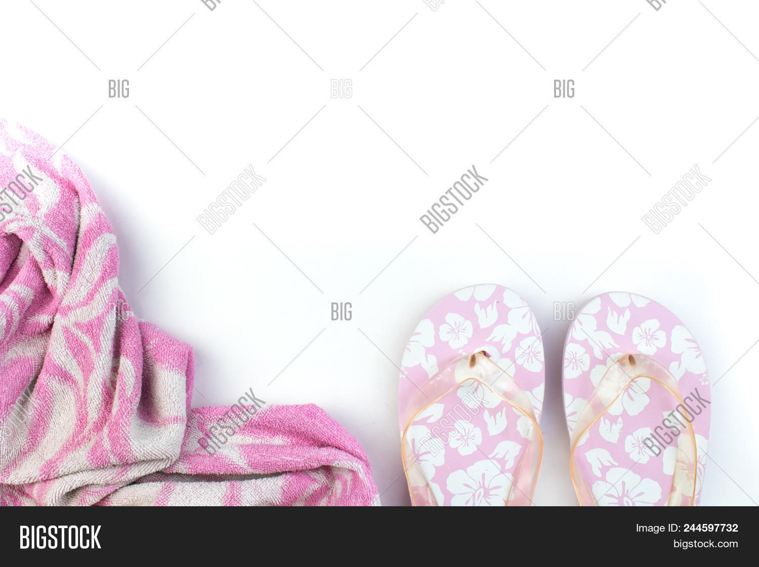 497b35c7b0f0 Pink With White Flowers Flip Flop Sandals Beach Shoes