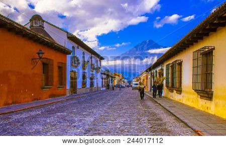 Ciudad De Guatemala, Guatemala, April, 25, 2018: Street View Of Antigua Guatemala, The Historic City