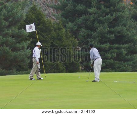 2 Golfers
