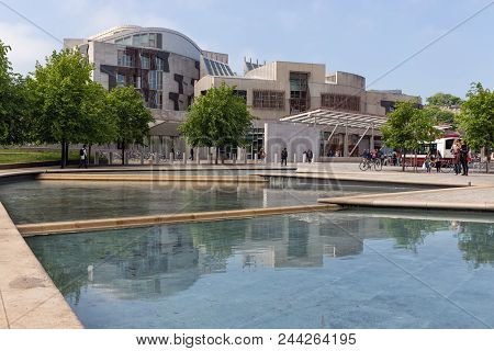 Edinburgh, Scotland - May 24, 2018: Square With Pond In Front Of Scottish Parliament Building In Edi