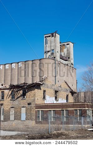 Abandoned Grain Elevator And Factory In Prospect Park Minneapolis Minnesota,