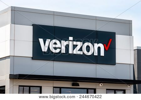 Verizon Wireless Retail Store Exterior