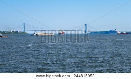 An image of the Verrazano Narrows Bridge at New York USA