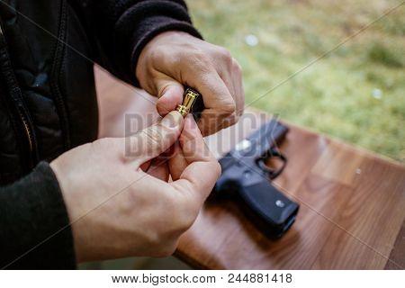 Loading Gun