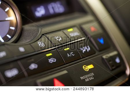 Turning on and off the air conditioning of a car