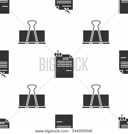 Set Note Paper With Pinned Pushbutton, File Document And Binder Clip And Binder Clip On Seamless Pat