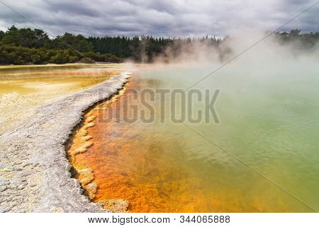 Champagne Pool, Geothermal Spring In Waiotapu, New Zealand.