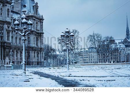 Hotel De Ville Townhall Under Snow View On Cite