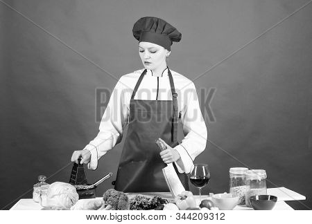 Stainless Steel. Dangerous Lady. Best Knives To Buy. Be Careful While Cut. Chef Cut Vegetables. Woma