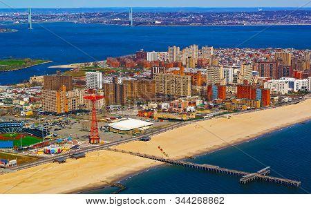 Aerial View On Brighton Beach In New York Reflex