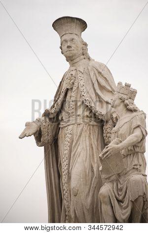 Statue Of Antonio Mori In Prato Della Valle, Padua, Italy. Andrea Memmo Is Depicted In A Venetian To