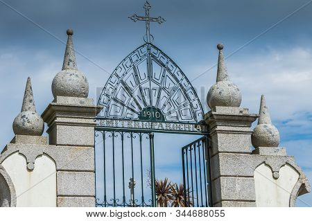 Vila Cha Near Esposende, Portugal - May 9, 2018: Architectural Detail Of The Entrance To The Village