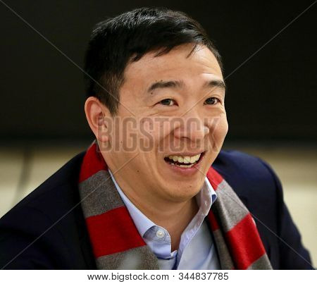 Portsmouth,uk,may 2019,american Presidential Candidate Andrew Yang In Press Meet