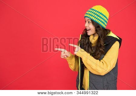 Just Look Here. Winter Weather Forecast. Wear Warm Clothes. Fashion For Kids. Pick Matching Accessor