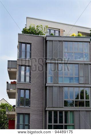 neu house with window