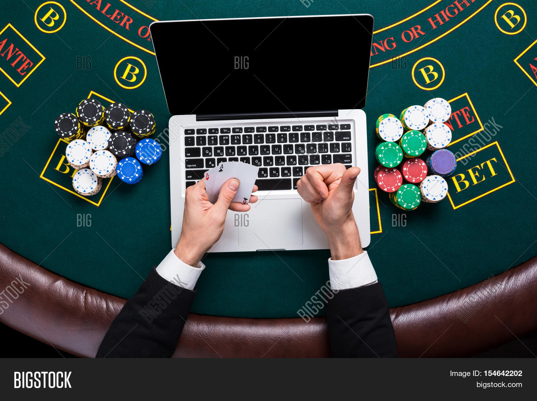 pensacola greyhound poker room