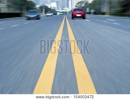 The city's roads and cars, dynamic fuzzy picture.