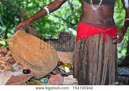 Yirrganydji Aboriginal Woman Explain About The Home Tools Made By The Indigenous Australian