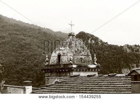 bw shot, church in an Italian mountain village