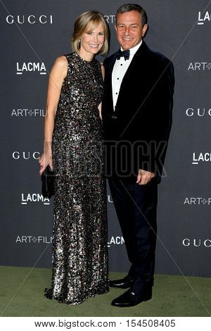 LOS ANGELES - OCT 29:  Willow Bay, Bob Iger at the 2016 LACMA Art + Film Gala at Los Angeels Country Museum of Art on October 29, 2016 in Los Angeles, CA