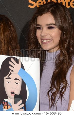 LOS ANGELES - OCT 29:  Hailee Steinfeld at the