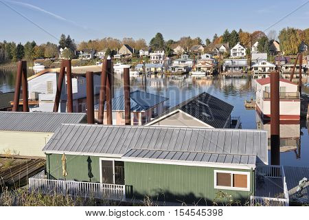 Floating homes and docked boats in Portland Oregon.