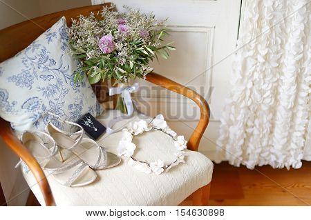 Elegant Wedding Flowers And Bride's Accessories