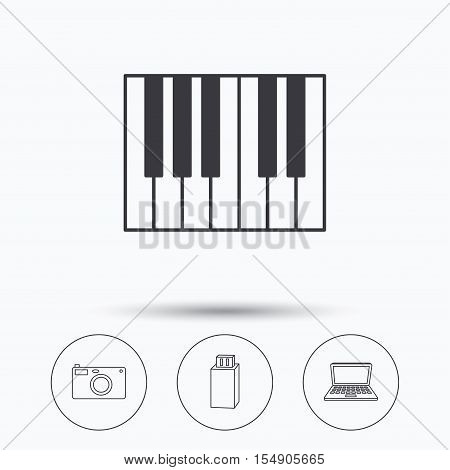 Photo camera, USB flash and notebook laptop icons. Piano linear sign. Linear icons in circle buttons. Flat web symbols. Vector