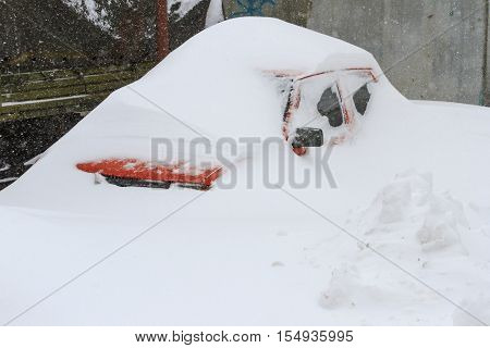 car swept over the roof in snow storm, frost, weather, rain, snow, snowstorm