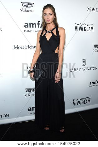 LOS ANGELES - OCT 27:  Victoria Robinson arrives to the amFAR's Inspiration Gala on October 27, 2016 in Hollywood, CA