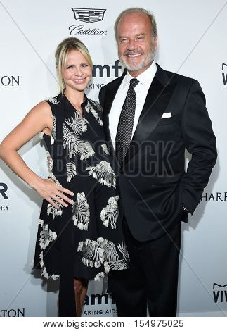LOS ANGELES - OCT 27:  Kelsey Grammer and Kayte Walsh arrives to the amFAR's Inspiration Gala on October 27, 2016 in Hollywood, CA