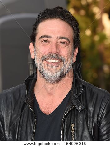 LOS ANGELES - OCT 23:  Jeffrey Dean Morgan arrives to the Special taping of