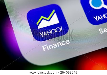 Sankt-petersburg, Russia, August 16, 2018: Yahoo Finance Application Icon On Apple Iphone X Smartpho