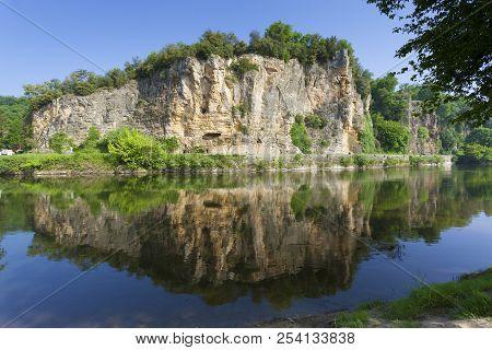 View Of The River Dordogne, Domme, Dordogne, Nouvelle-aquitaine, France