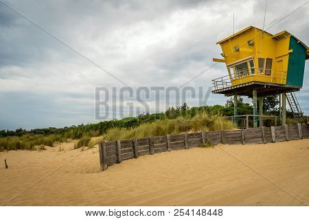 Lakes Entrance Beach And Lifeguard Rescue Station