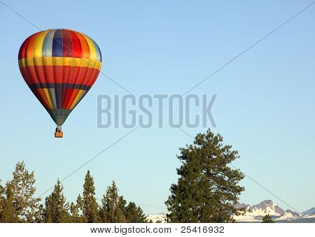 Hot air balloon over Bend,OR
