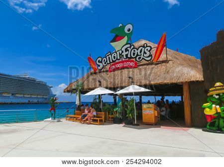 Cozumel, Mexico - May 04, 2018: The Cruise Passengers Resting At Cafe At Cozumel Port During One Of