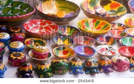 Красочные керамика