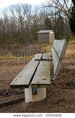 Empty bench at the lake