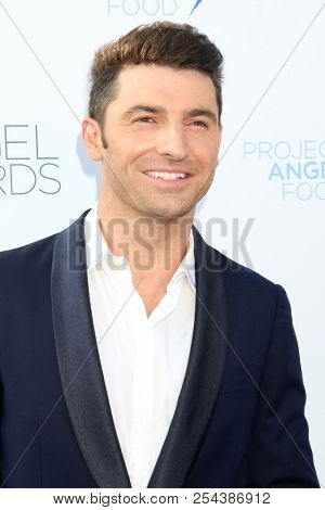 LOS ANGELES - AUG 18:  Stuart O'Keeffe at the Angel Awards 2018 at the Project Angel Food on August 18, 2018 in Los Angeles, CA