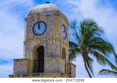 Palm Beach, Florida, USA. The clock tower on Worth Ave poster