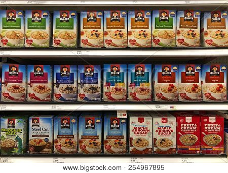 Alameda, Ca - February 17, 2018: Grocery Store Shelf With Boxes Of Quaker Brand Instant Oatmeals In